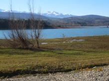 Lac Montbel and the snowy mountains