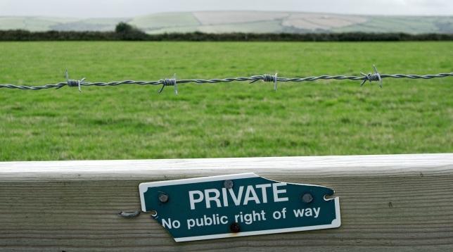 private-1665019_1280
